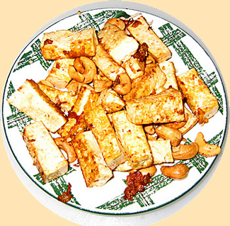 Fried tofu with cashew nuts
